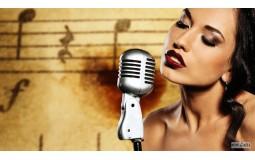 Почему полезно петь в караоке?